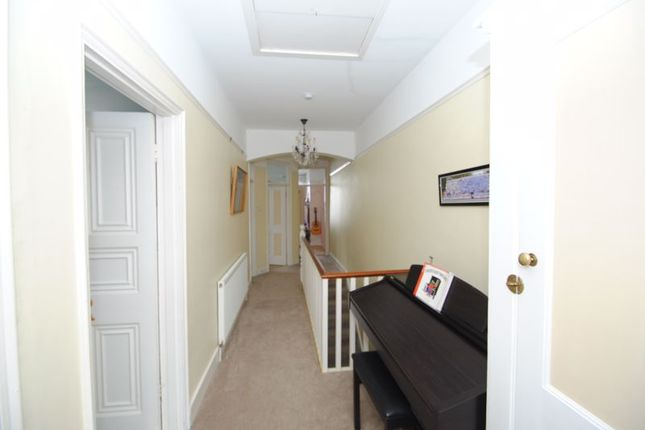 Photo 9 of Grove Court, Southbourne Grove, Westcliff-On-Sea SS0