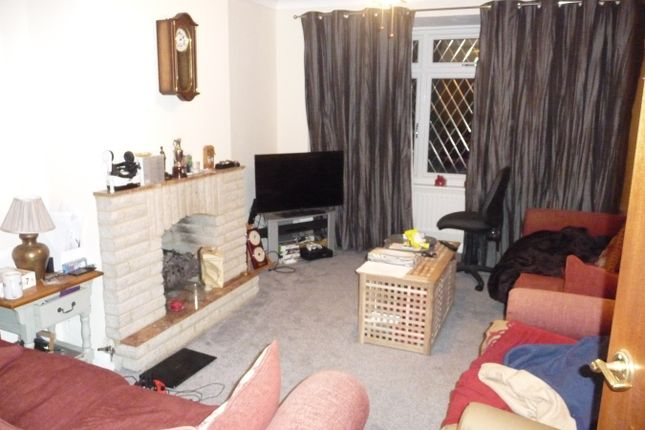 Thumbnail Semi-detached house to rent in Vicarage Road, Sunbury-On-Thames