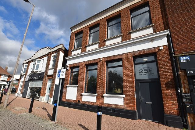 Thumbnail Retail premises for sale in London Road, Hadleigh, Essex