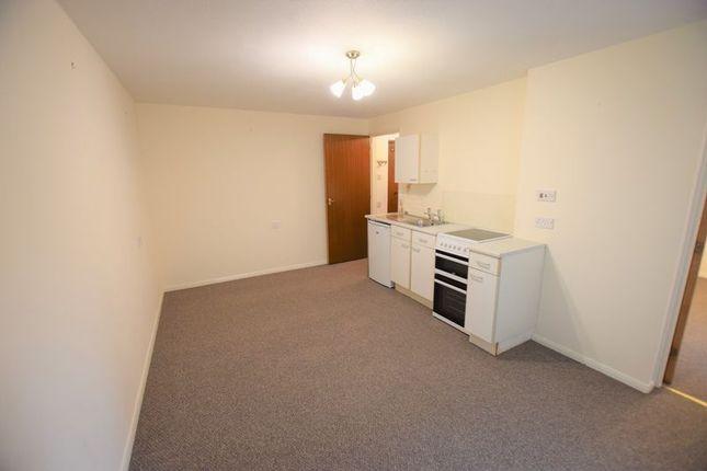 Living Room Alternative Aspect