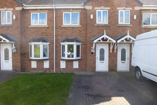 Thumbnail Town house to rent in Weetshaw Close, Shafton, Barnsley