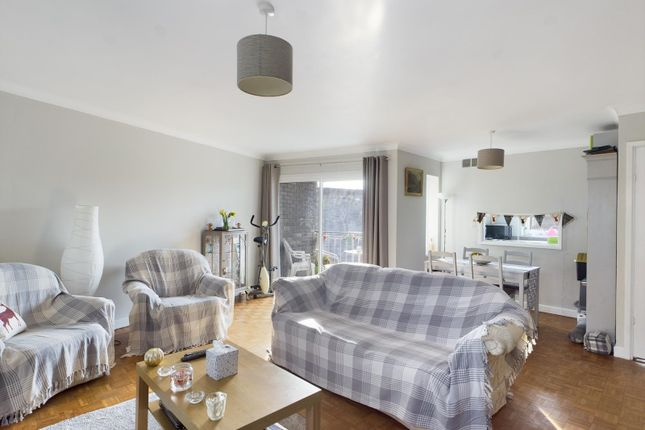 Thumbnail Flat for sale in Glen Court, Riverside Road, Staines-Upon-Thames, Middlesex