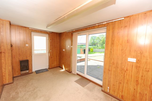 Garden Room of Elm Close, Newbold, Chesterfield S41