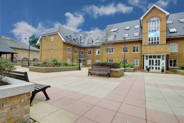 Thumbnail Flat for sale in Station Road, Ware