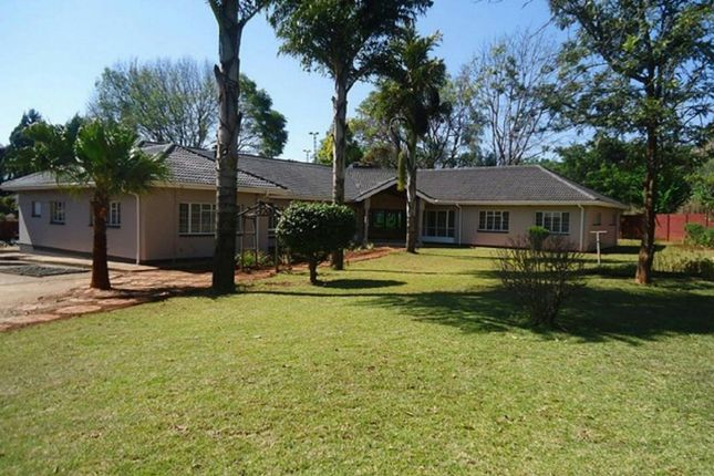 Thumbnail Detached house for sale in Eastern Rd, Harare, Zimbabwe