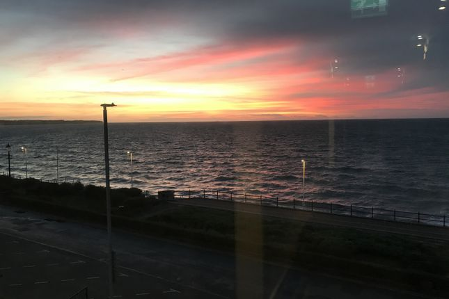 Sunrise Can Be Seen From Bay Window At Front