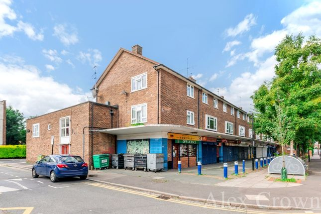 Thumbnail Flat for sale in Fife Road, London