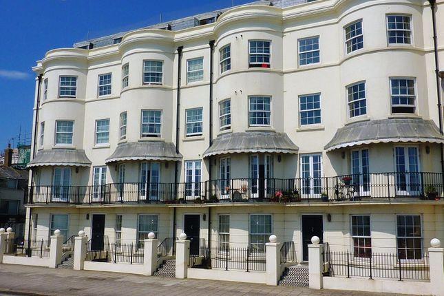 2 bedroom flat to rent in Nautilus, Marine Parade