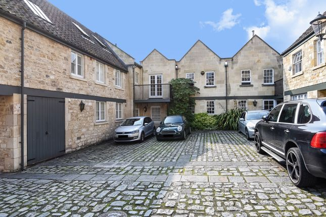 Thumbnail Mews house to rent in Carriage Court, Circus Mews, Bath
