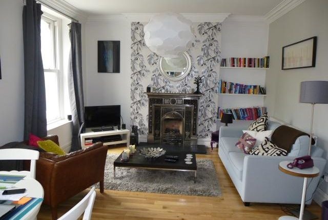 2 bed flat to rent in Conway Road, Pontcanna, Cardiff