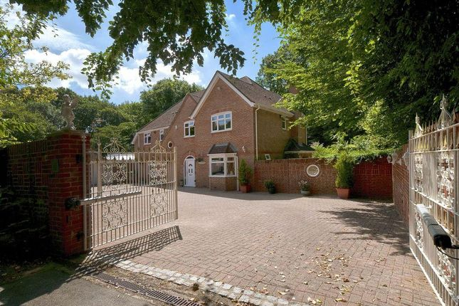 Thumbnail Property for sale in Delarue Close, Tonbridge