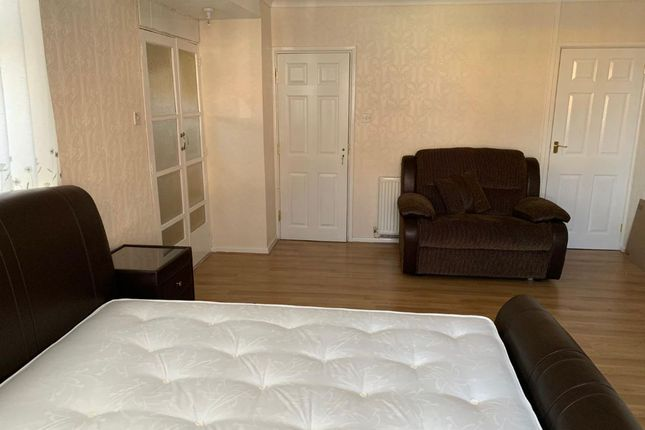 Thumbnail Flat to rent in Sunbury Road, Coventry