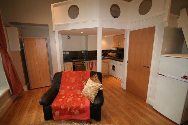 Lounge of Flat 1, 40 Hyde Terrace, City Centre LS2