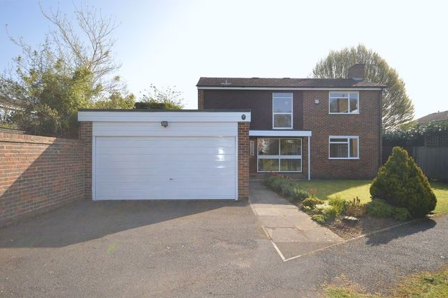 Thumbnail Detached house to rent in Moss Way, Beaconsfield