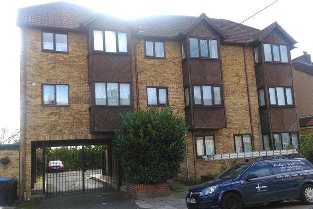 Thumbnail Flat for sale in Beaconsfield Road, Enfield, Essex