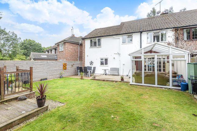 526779 (11)c of Hinton Close, Crowthorne, Berkshire RG45
