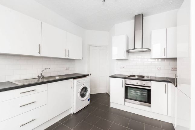 Thumbnail Flat to rent in Fortis Green Road, Muswell Hill, London
