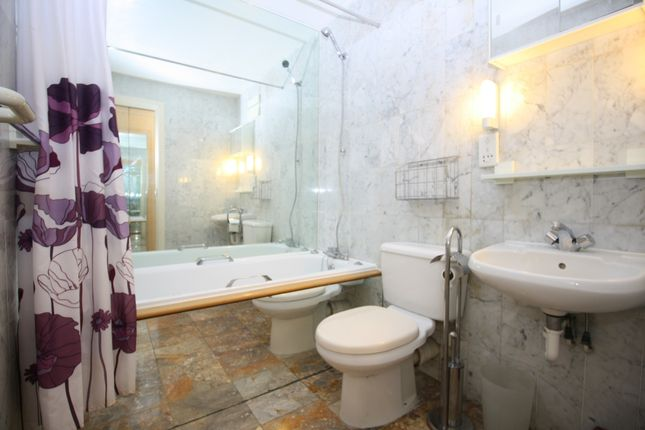 Bathroom of Chart House, Burrells Wharf, Isle Of Dogs E14