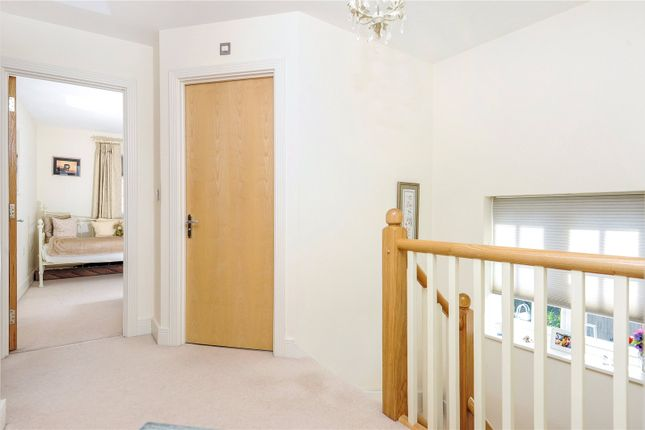 Picture No. 06 of Rythe Close, Claygate, Esher, Surrey KT10