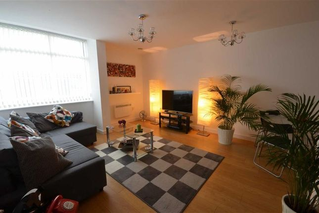 Thumbnail Flat to rent in Hudson Court, Salford Quays, Salford