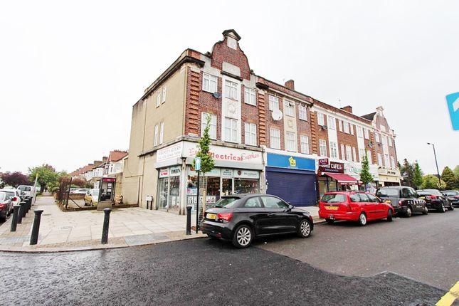 Thumbnail Flat for sale in Avenue Parade, Ridge Avenue, London