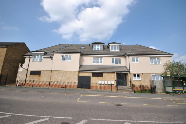 Thumbnail Flat for sale in Goffs Lane, Goffs Oak, Waltham Cross