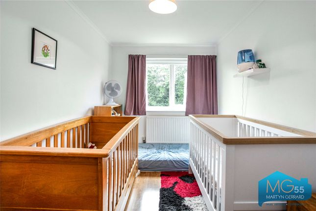 Picture No. 15 of Heath View, East Finchley, London N2