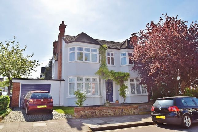 Thumbnail Property to rent in Grove Avenue, London