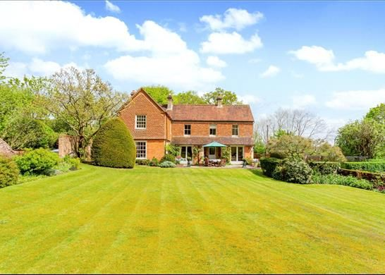 Thumbnail Detached house for sale in Mount Road, Newbury, Hampshire