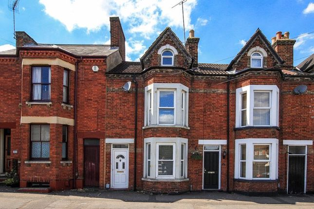 Thumbnail Terraced house for sale in Waterloo Road, Linslade, Leighton Buzzard