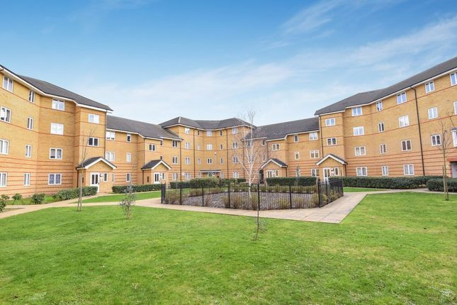 Thumbnail Flat to rent in Stanley Close, London