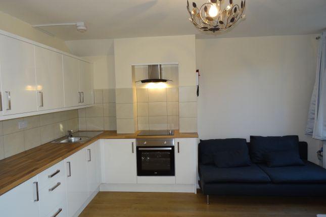 Thumbnail Maisonette to rent in Ibsley Gardens, Roehampton
