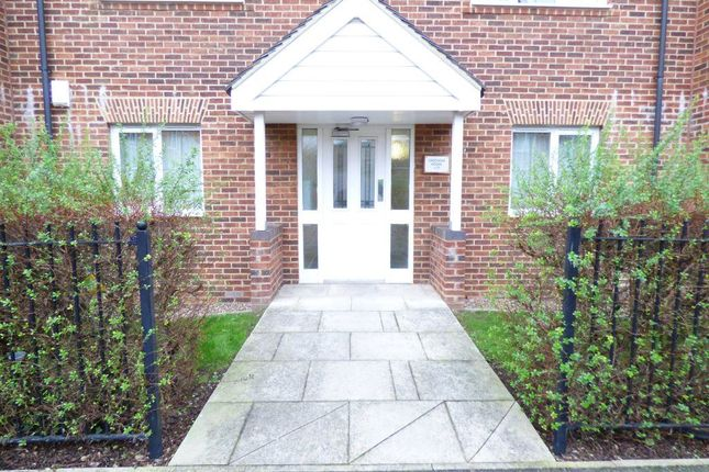 Thumbnail Flat to rent in Cromwell Mount, Pontefract