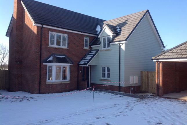 Thumbnail Detached house for sale in Castle Hill Road, Totternhoe, Dunstable