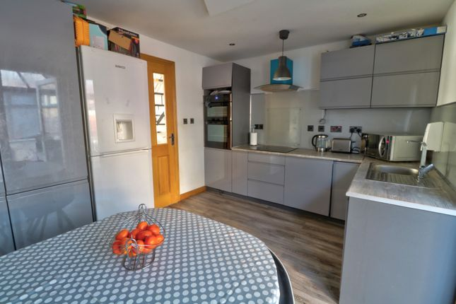 Kitchen Diner of Leyshade Court, Dundee DD4