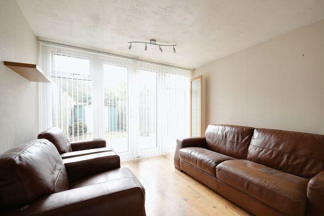 Thumbnail Property to rent in Handforth Lane, Halton Lodge, Runcorn
