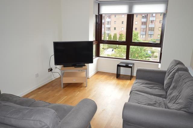 Thumbnail Flat to rent in Sienna Gardens, Edinburgh