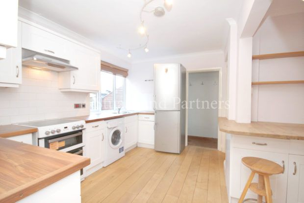 Thumbnail Property to rent in Henfield Road, Albourne