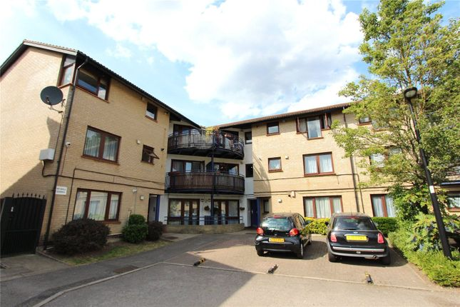 Thumbnail Flat for sale in Shapland Way, Palmers Green, London