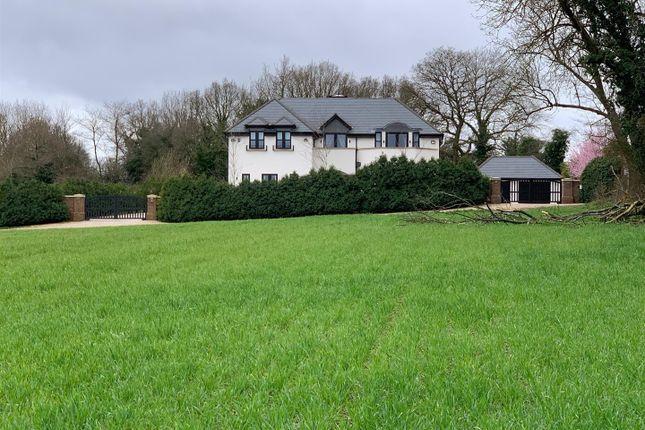 Thumbnail Detached house for sale in Watling Street, Radlett