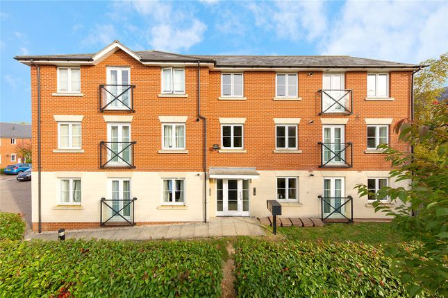 Thumbnail Flat for sale in Gerard Gardens, Chelmsford, Essex