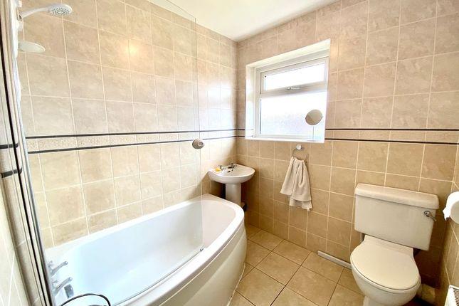 Bathroom 1 of Elvington Road, Hightown, Liverpool L38