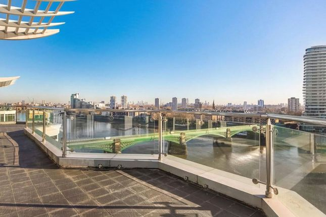 Thumbnail Flat to rent in Riverside Tower, The Boulevard, Imperial Wharf, London