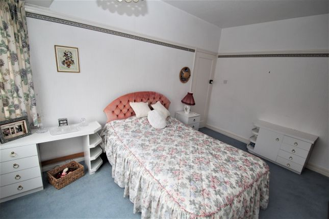 Bedroom 1 of The Meadway, Dore S17