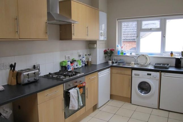 5 bed flat to rent in Cowley Road, Oxford