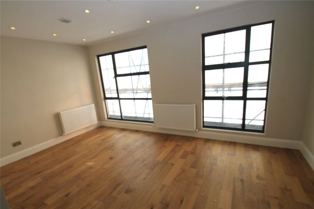 1 bedroom flat for sale in The Grove, Gravesend, Kent