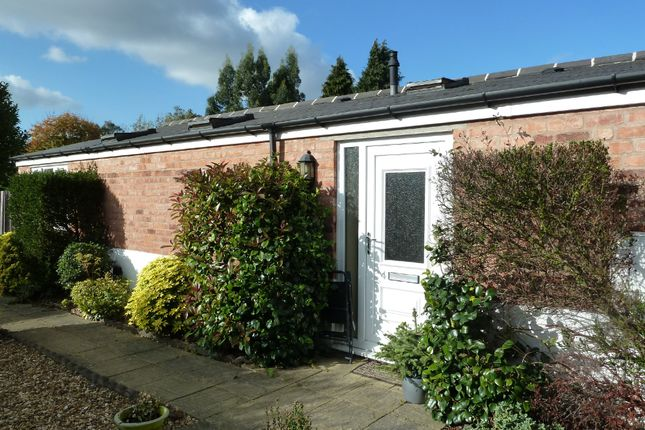 1 bed detached bungalow to rent in Vesey Road, Wylde Green, Sutton Coldfield B73