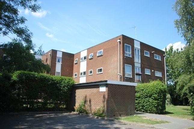 Thumbnail Flat for sale in Sunnydene Close, Harold Wood, Romford