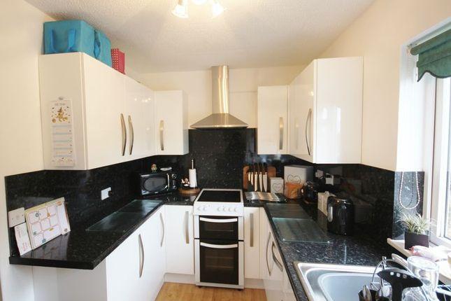Thumbnail Flat to rent in Stowey Road, Yatton, Bristol