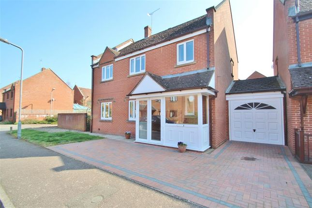 Thumbnail Detached house for sale in Fishers Field, Buckingham